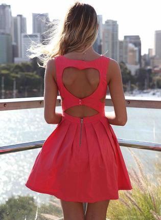 robe d coupe coeur rose avec corsage ajust et jupe. Black Bedroom Furniture Sets. Home Design Ideas