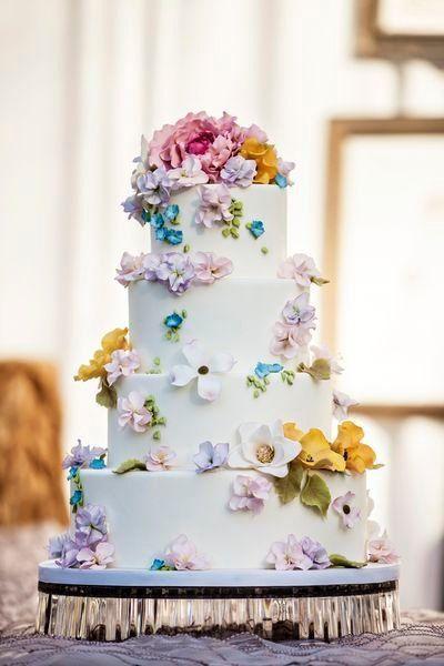 Hochzeits Cupcakes Fruhlings Blumen Hochzeitstorte 2069907 Weddbook