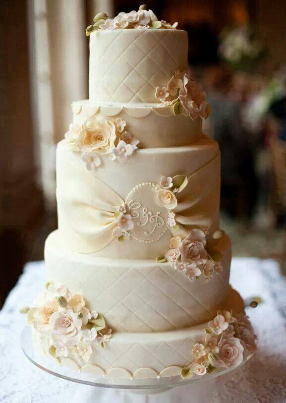 Cake Wedding Cakes 2069941 Weddbook