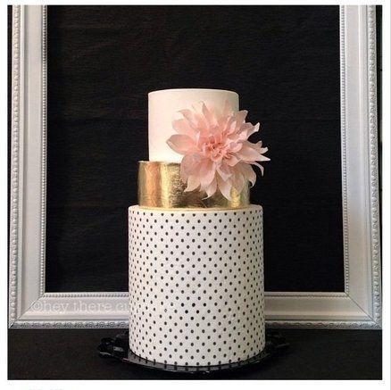 Mariage - Dahlia rose et or de gâteau de mariage