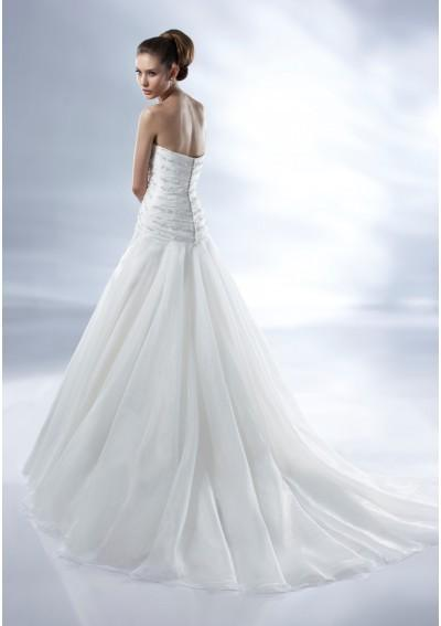 Wedding - Organza Strapless Sweetheart Neckline Crisscross Pleated Bodice With Beadwork A-line Draped Skirt With Chapel Train 2012 New Arr