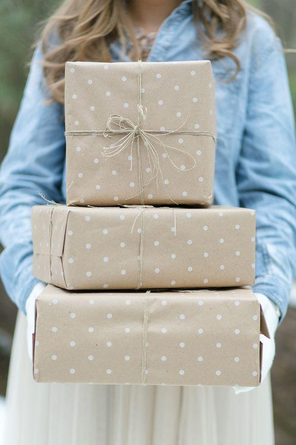 Diy gift wrap ideas 2078968 weddbook for Wedding gift wrapping ideas