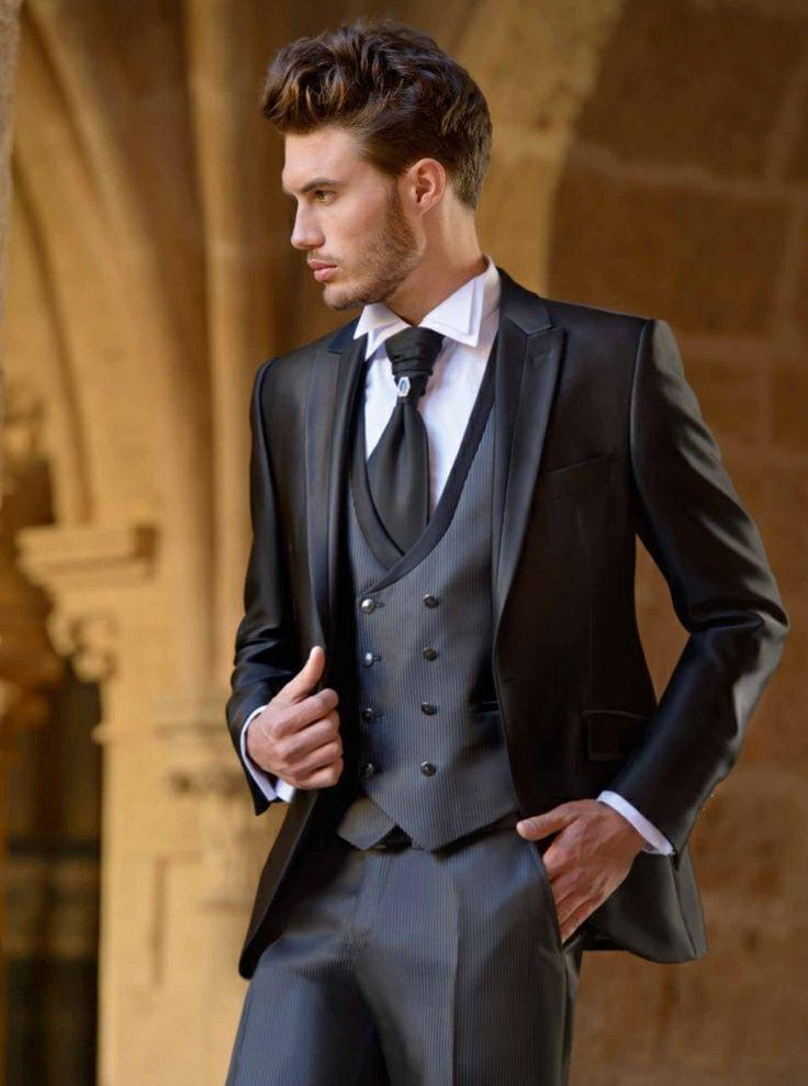 Groom tuxedo gents 2080715 weddbook tuxedo gents junglespirit Images