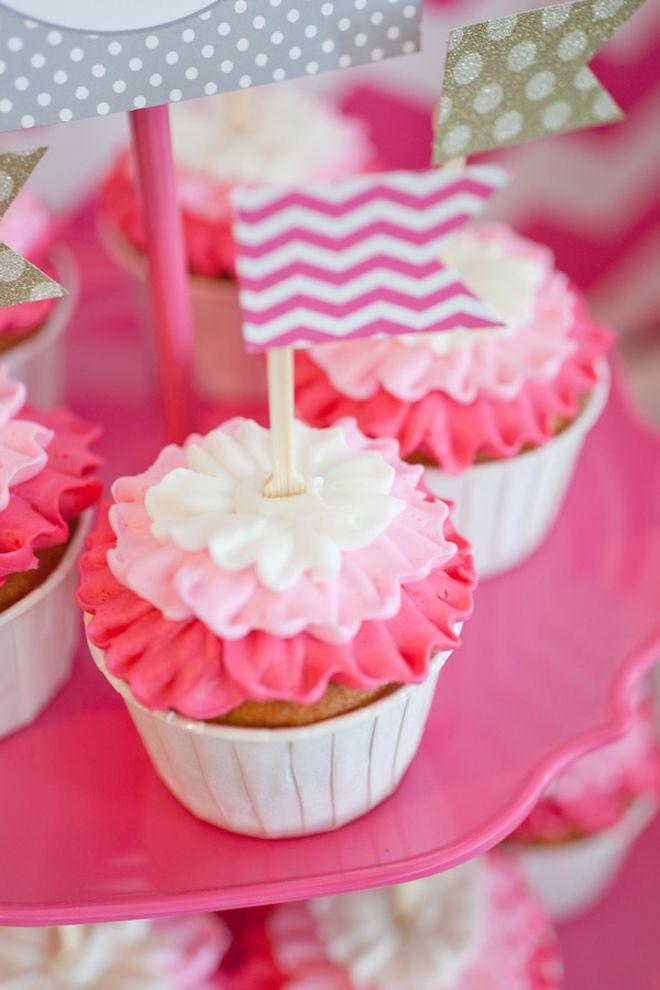 Hochzeits Cupcakes Kuchen Liebe 2081045 Weddbook