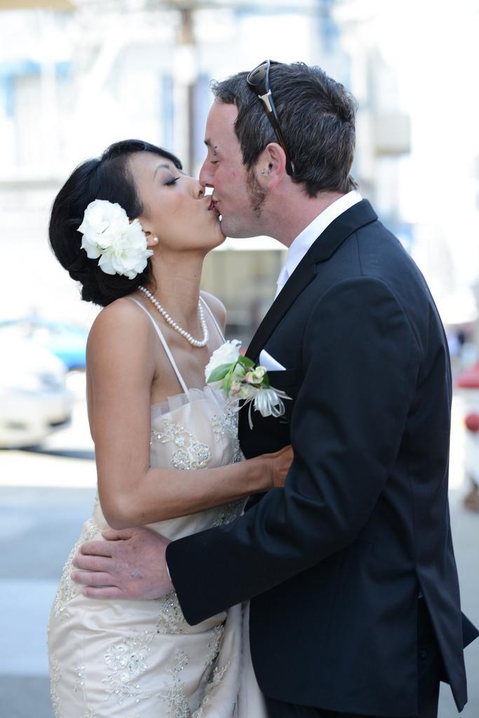 Свадьба - Первый Поцелуй