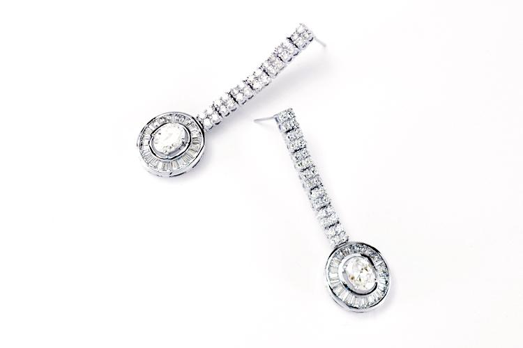 Mariage - Oval encircled disc drop earring