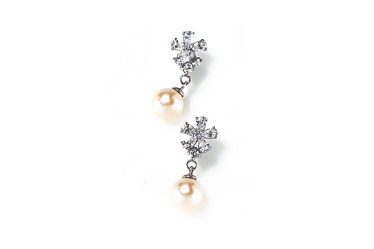 Mariage - Petit Fleur Earrings