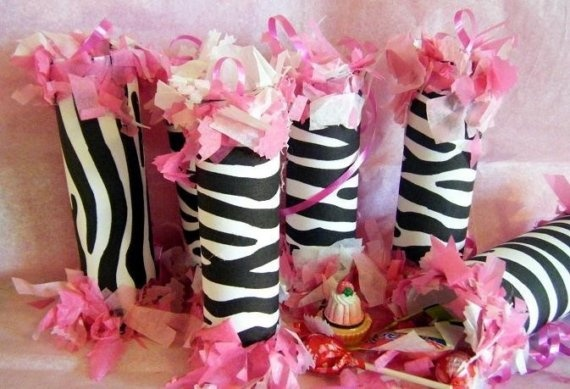 Bachelorette party ideas bridal shower 2084949 weddbook for Animal print decoration party