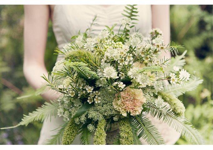 Grune Hochzeit Brautstrauss Grun 2097473 Weddbook