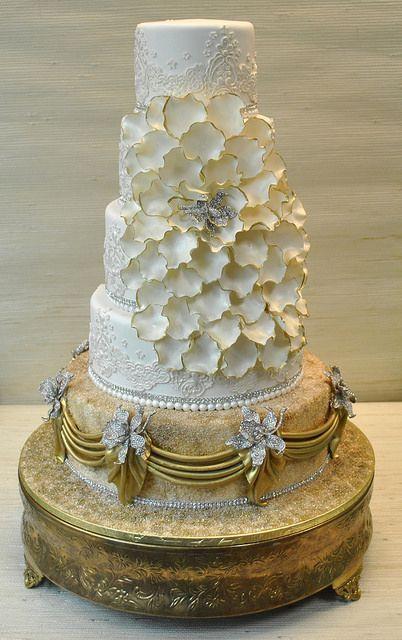 Gold Wedding - White & Gold Wedding Cakes #2100170 - Weddbook