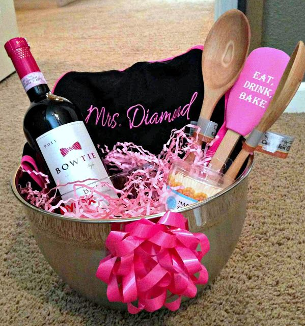 bridal shower bridesmaid gifts