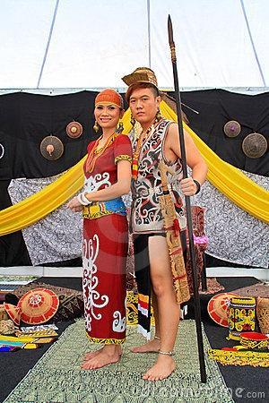 Mariage - ♥ ~ ~ ♥ • Mariage traditionnel ♥ ♥ Beaucoup de cultures
