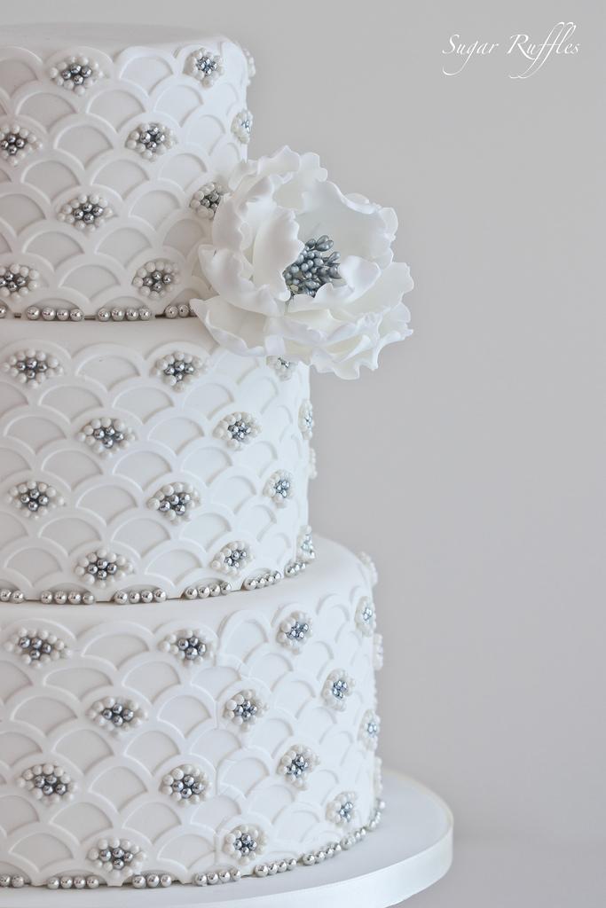 Silberhoch - Bogenstirn-Silber Hochzeitstorte #2104591 - Weddbook