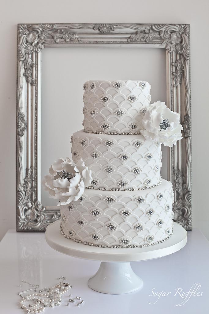 Silberhoch - Bogenstirn-Silber Hochzeitstorte #2104592 - Weddbook