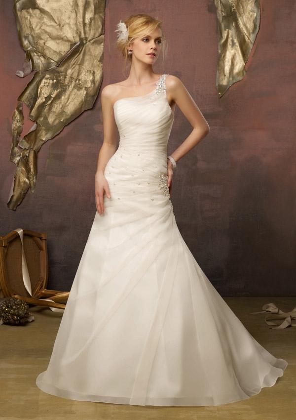 Свадьба - Crystal Beads On Delicate Organza Wedding Dresses(HM0270)