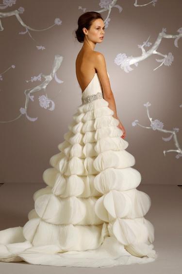 Kleiden - Lazaro Brautkleider #2111100 - Weddbook