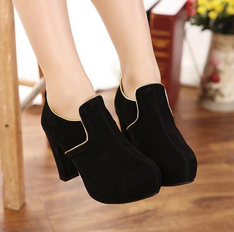 Hochzeit - Korean Style Zip Thick Heels Shoes Short Boot Brown BT0980