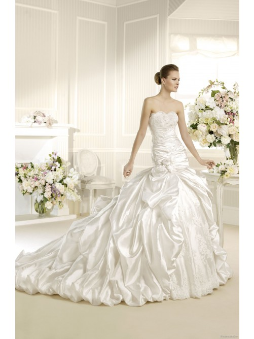 Wedding - Ball Gown Strapless Ruffles Handmade Flower Satin Wedding Dress