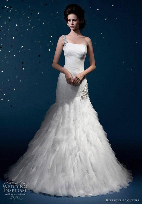 Mariage - Une courroie d'épaule de mariage Inspiration vestimentaire