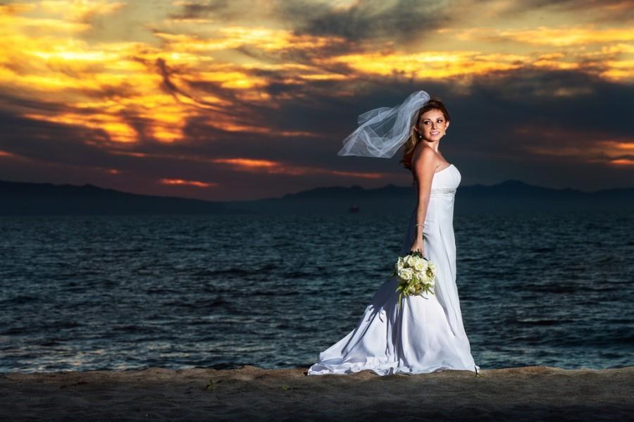Hochzeit - Eine andere Braut bei Sonnenuntergang
