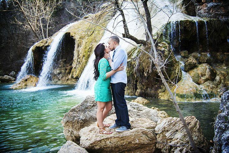 Wedding - Engagement Photo Ideas