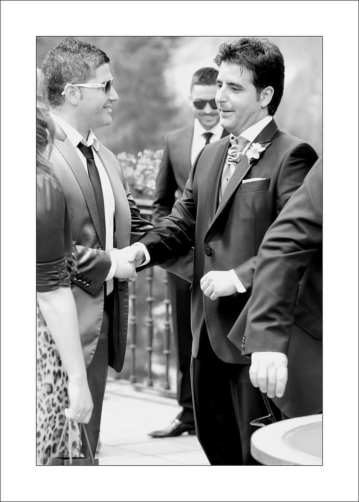 Wedding - El Novio Espera...