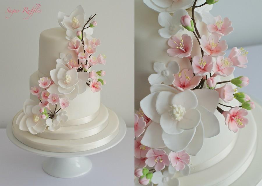 Hochzeit - Cherry Blossom & Magnolia Cascade Hochzeitstorte