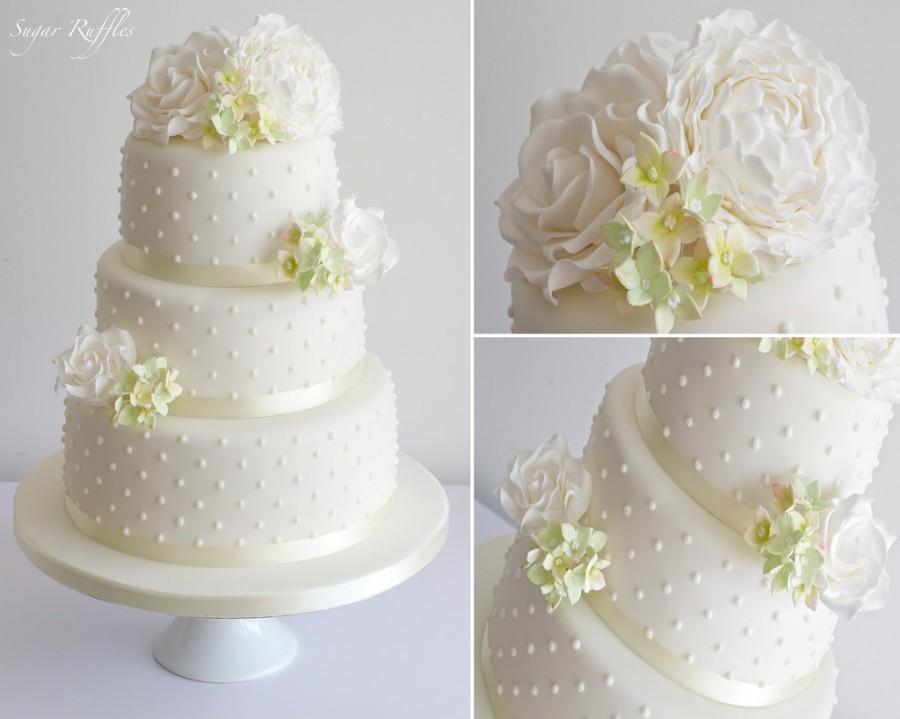 Wedding - Wedding Cake With White & Green Sugar Flowers
