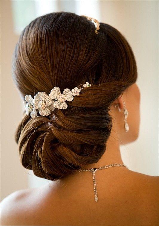 Hochsteckfrisur Haar Modell Hochzeiten Frisuren 2122658 Weddbook