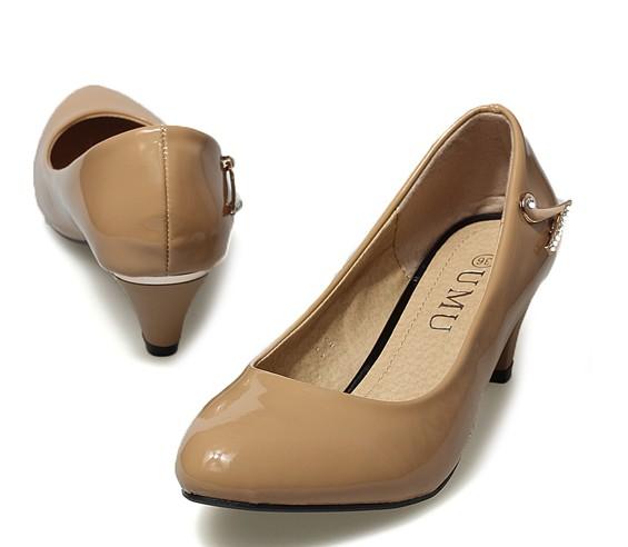 Hochzeit - Sexy Style Diamonds Embellished High Heels Pumps Silver PM0599