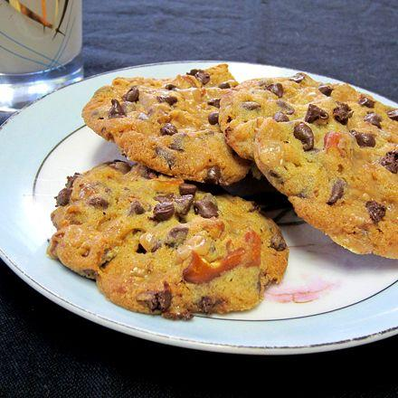 pretzel toffee chocolate chip cookies these cookies are delicious my ...