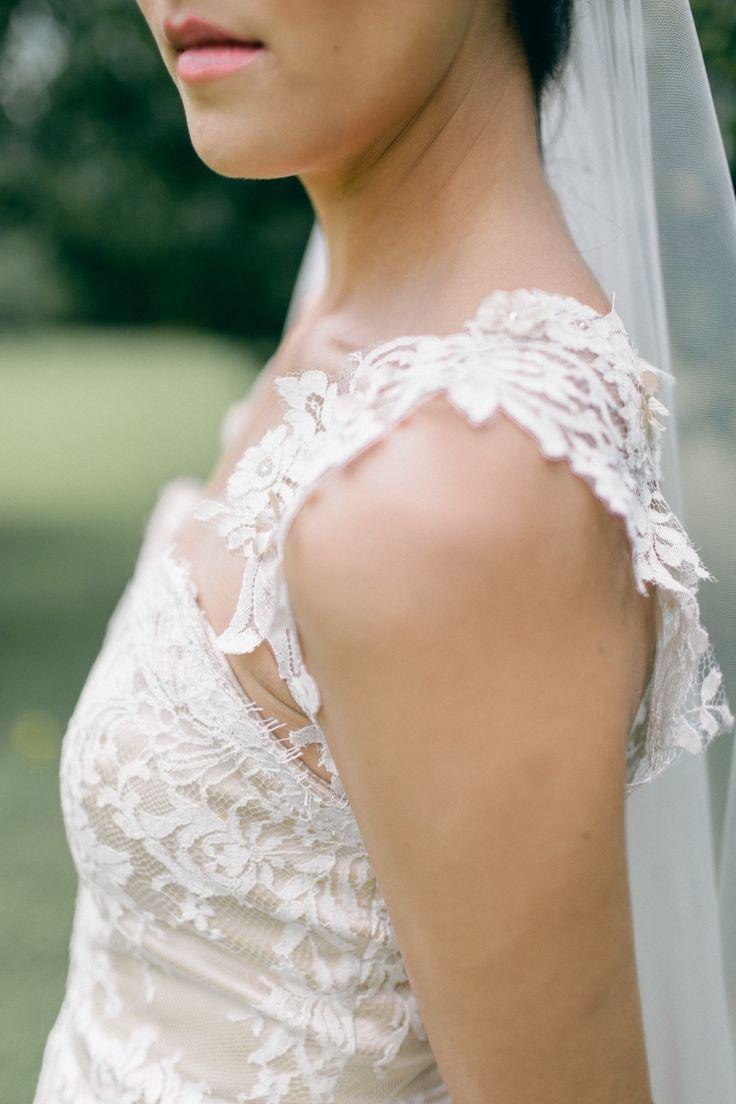 زفاف - الرباط حساسة في ثوب الزفاف