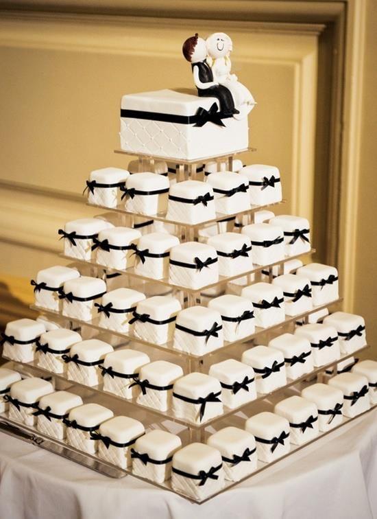 hochzeits cupcakes hochzeit cupcakes 2126862 weddbook. Black Bedroom Furniture Sets. Home Design Ideas