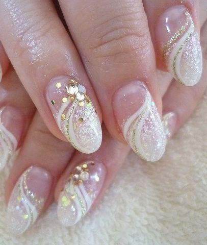 mariage ongles designs nail art mariage 2127129 weddbook. Black Bedroom Furniture Sets. Home Design Ideas