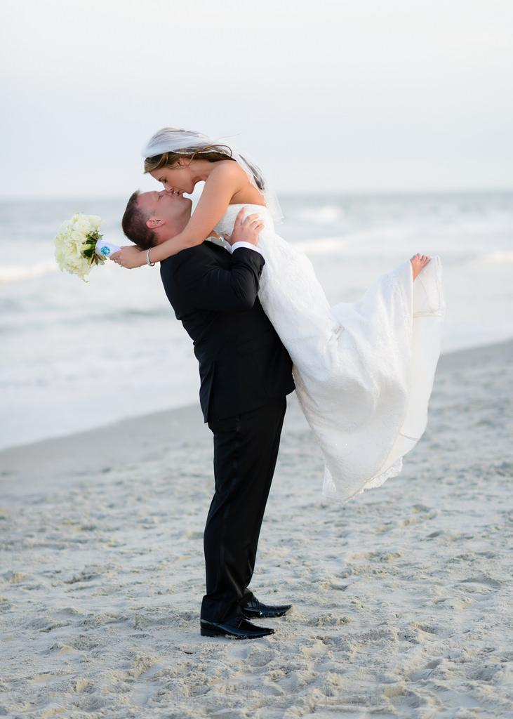 Wedding - That's Quite A Lift Of The Bride - Ocean Club, Grande Dunes