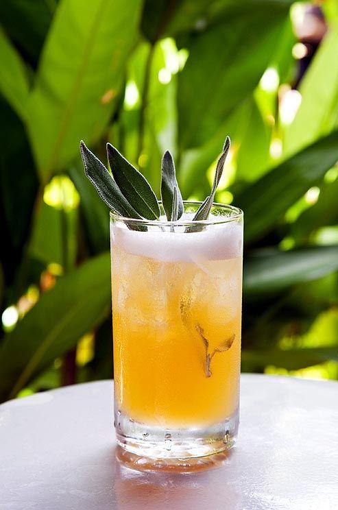 Hochzeit - Cocktails, Anyone?