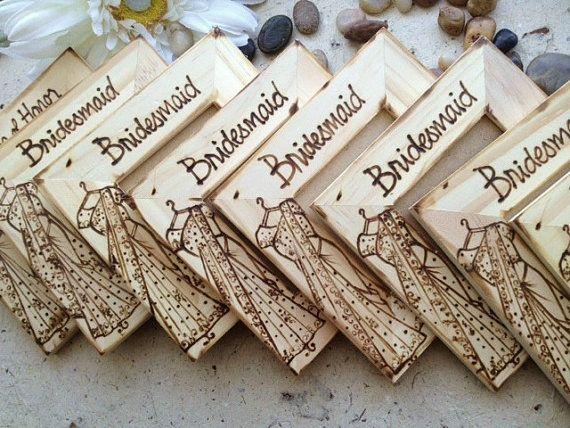 Свадьба - Индуистские индийские сувениры для ваших свадьбу с их сари сари Реплицируются на деревянной раме с их имени азиатской свадебный