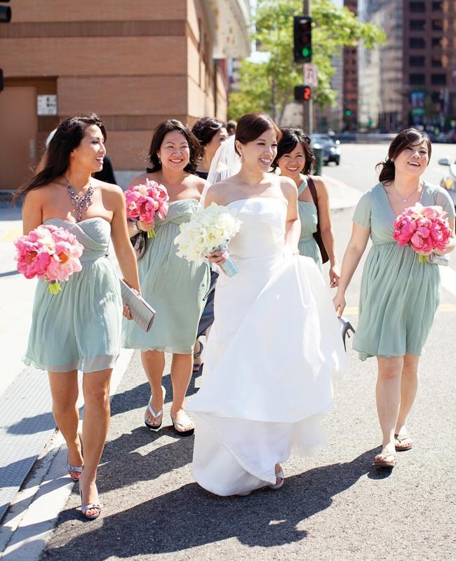 Wedding - A Crisp Contemporary Wedding At Walt Disney Concert Hall In Los Angeles