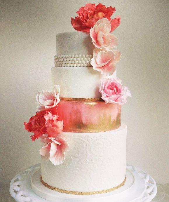 Hochzeitstorten Schone Rosa Hochzeitstorte 2132995 Weddbook