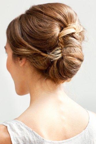Mariage - Les cheveux d'une demoiselle d'honneur