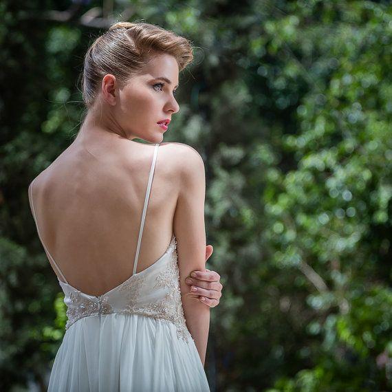 Bohemian Spitze Low Back Hochzeitskleid, Tiered Chiffon ...