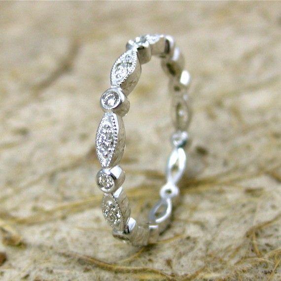 Свадьба - Заказ винтажная щит и круглый бриллиант обручальное кольцо в 14K белое золото с Antiquing