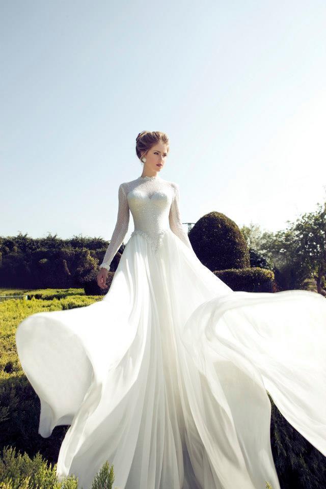 Фото открытых свадебных платьев с длинными рукавами
