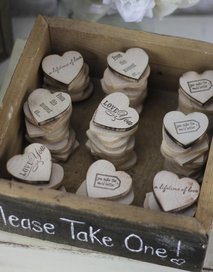 Hochzeit Bevorzugungen Holz Herz Magnete In Rustic Box (Artikelnummer  140184)