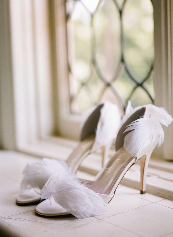 Mariage - Chaussures de mariée à plumes