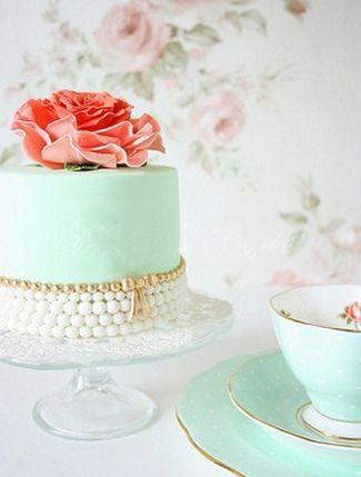 Mint Wedding 8 DIY Vintage Cake Accessory Ideas 2141316 Weddbook