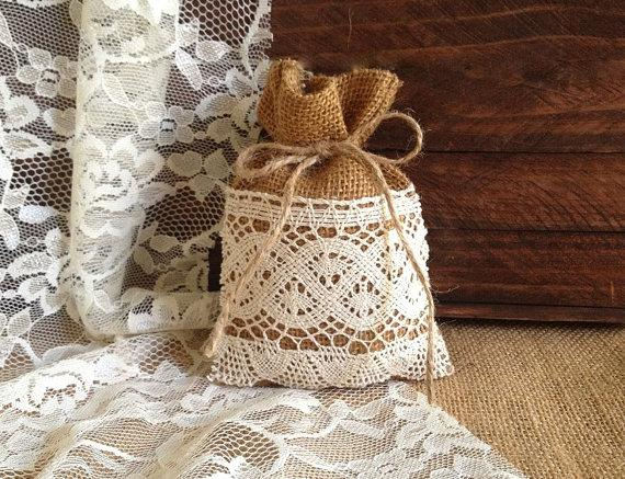 زفاف - lace covered natural burlap favor bags