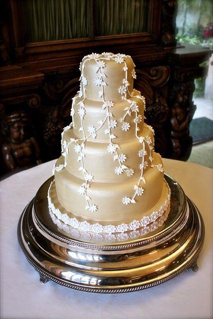 Mariage - Blanc et or mariage Gâteaux