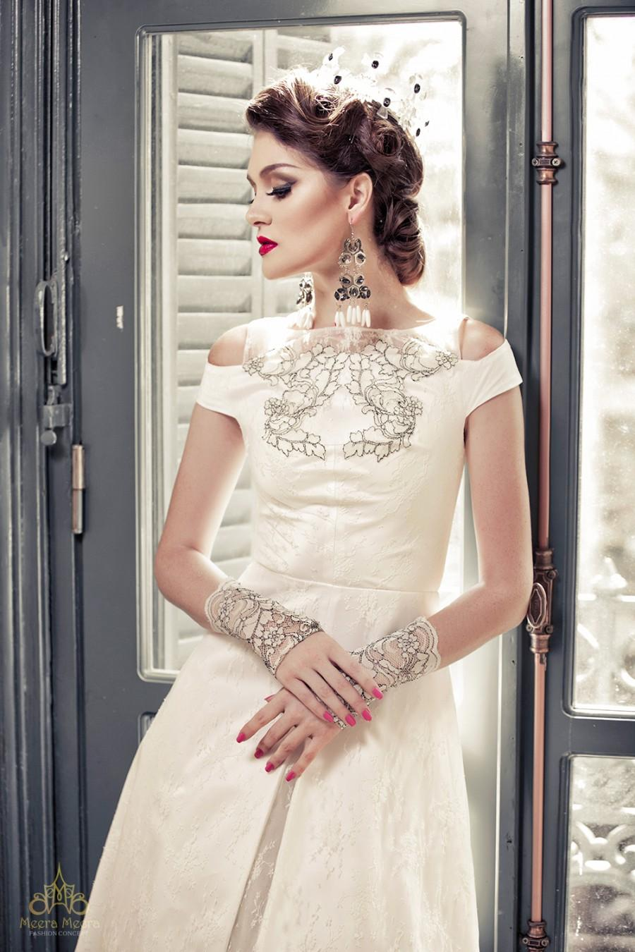 Wedding - A-line wedding dress with cut-out detail, bead lace in classic split gown