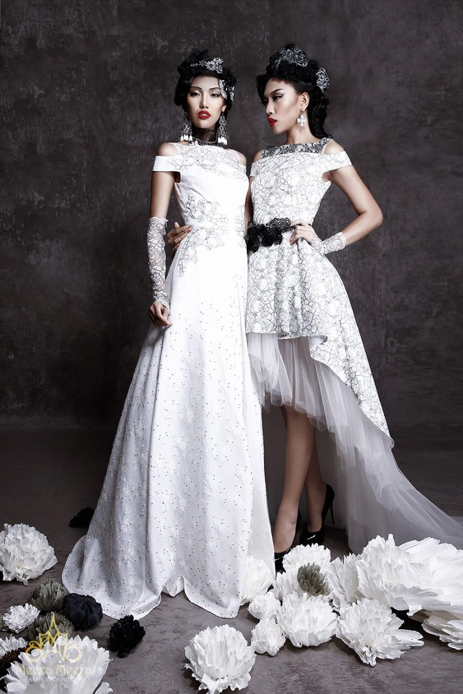 Left: A-line Wedding Dress With Cut-out Detail, Bead Lace In Classic ...